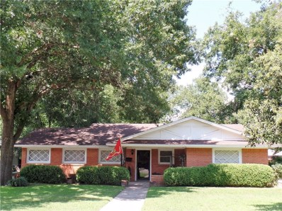 221 Gordon Street, Gainesville, TX 76240 - #: 14180579