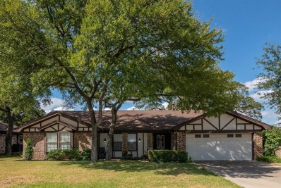2121 Cambridge Drive, Hurst, TX 76054 - #: 14195142