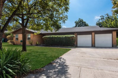 6404 Dovenshire Terrace, Fort Worth, TX 76112 - #: 14202879