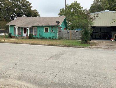 702 S Caddo Street, Cleburne, TX 76031 - #: 14222039