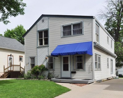 216 E Norwich St, Milwaukee, WI 53207 - #: 1588852