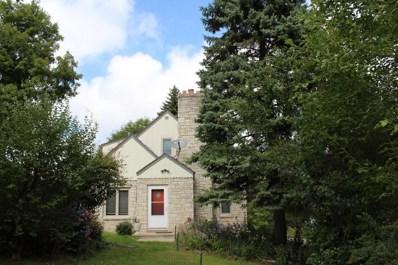 W164N8775 Mill St, Menomonee Falls, WI 53051 - #: 1590597