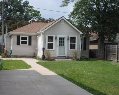 167 S 77th St, Milwaukee, WI 53214 - #: 1600412