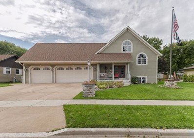 5933 S 18th St, Milwaukee, WI 53221 - #: 1620374