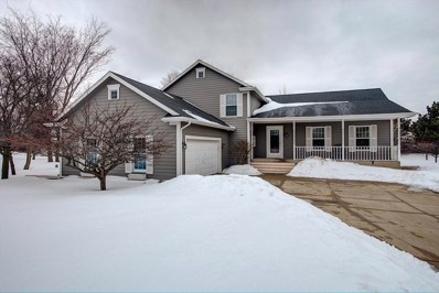 2055 S Sunset Ct, New Berlin, WI 53151 - #: 1625996