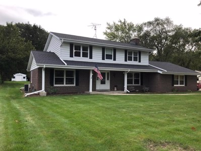 4870 S 82nd St, Greenfield, WI 53220 - #: 1661465