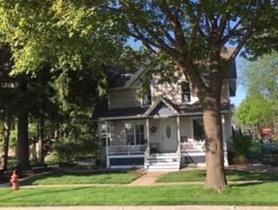 129 E Oak St, Lake Mills, WI 53551 - #: 1846008