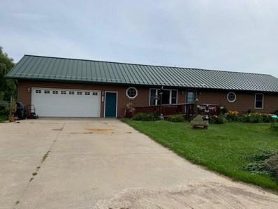 125 Cunningham Ridge Rd, Cazenovia, WI 53924 - #: 1889161